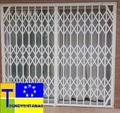Rejas para puertas en Alcobendas con cerradura